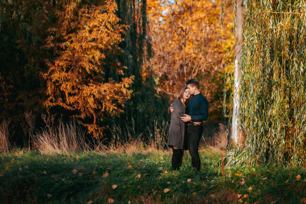 Sesja Narzeczeńska Łódź - Romantyczna sesja w parku